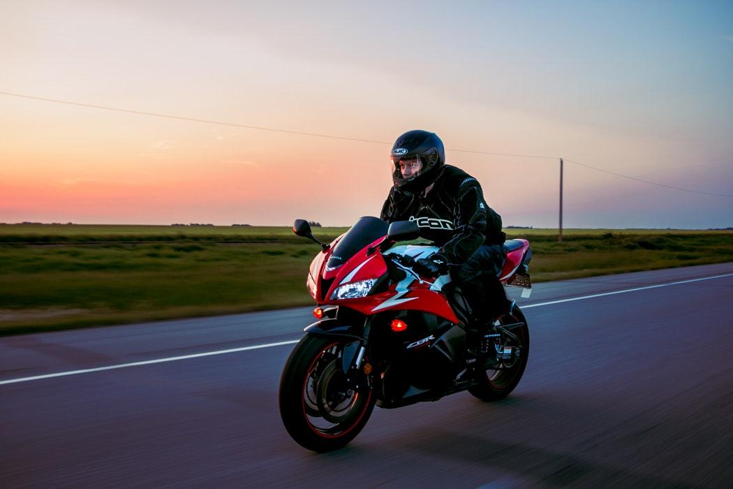 Quelle balise GPS choisir pour ma moto ?